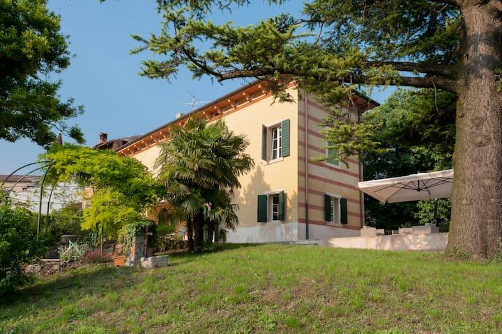 Romagnano的民宿