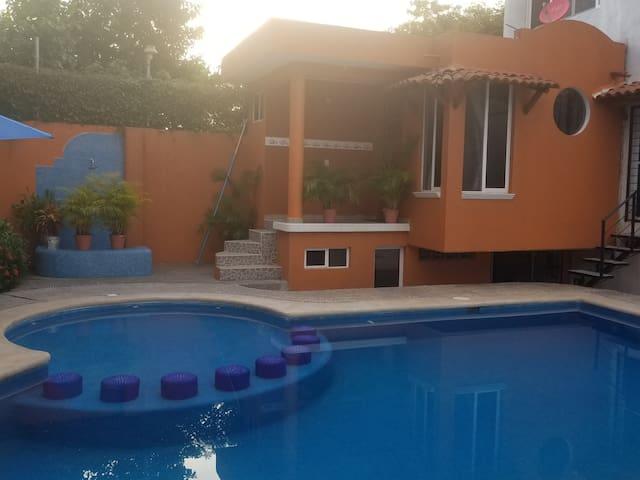 Ixtapa Zihuatanejo的民宿