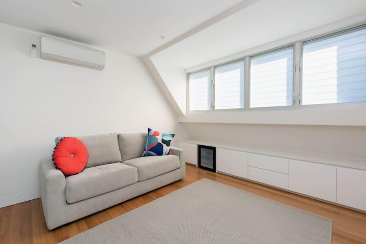 私人公寓,位置便利