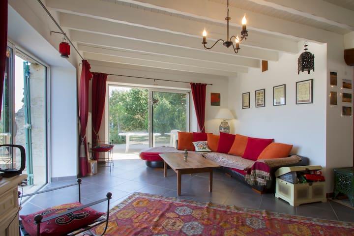 Saint-Martin-du-Puy的民宿