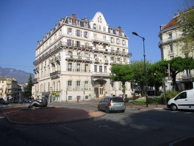 艾克斯莱班 (Aix-les-Bains)的民宿