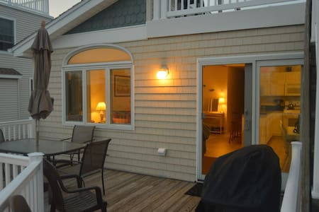LBI Ranch House, Walk to Beach and Everything!