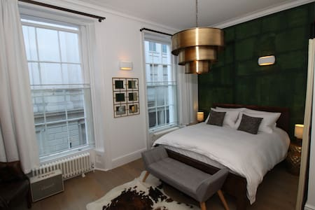 Covent Garden London Apartment - Interior Designer