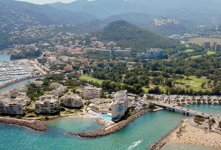Guidebook for Cannes, Mandelieu and the French Riviera