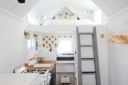 Modern & Bright Tiny House