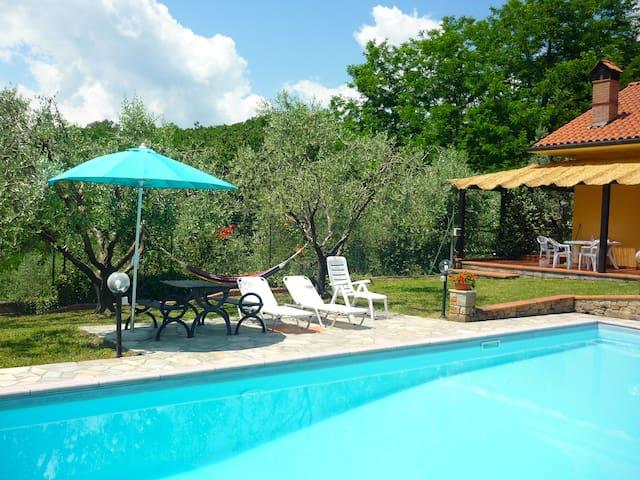 Lucignana的民宿