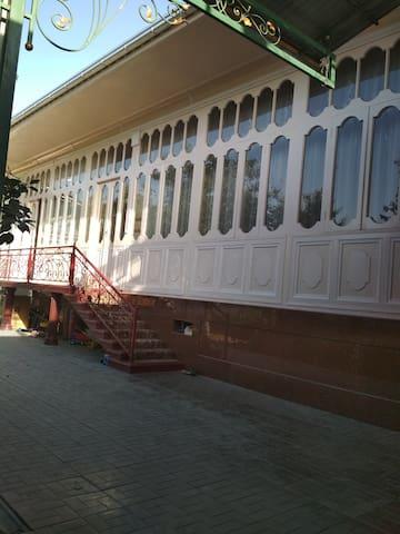 Andijan的民宿