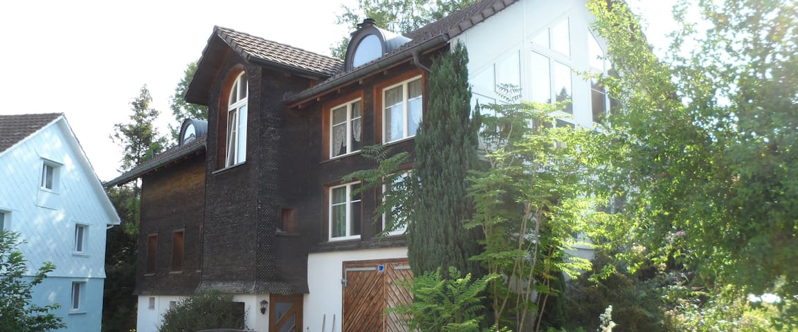Oberwangen TG的民宿