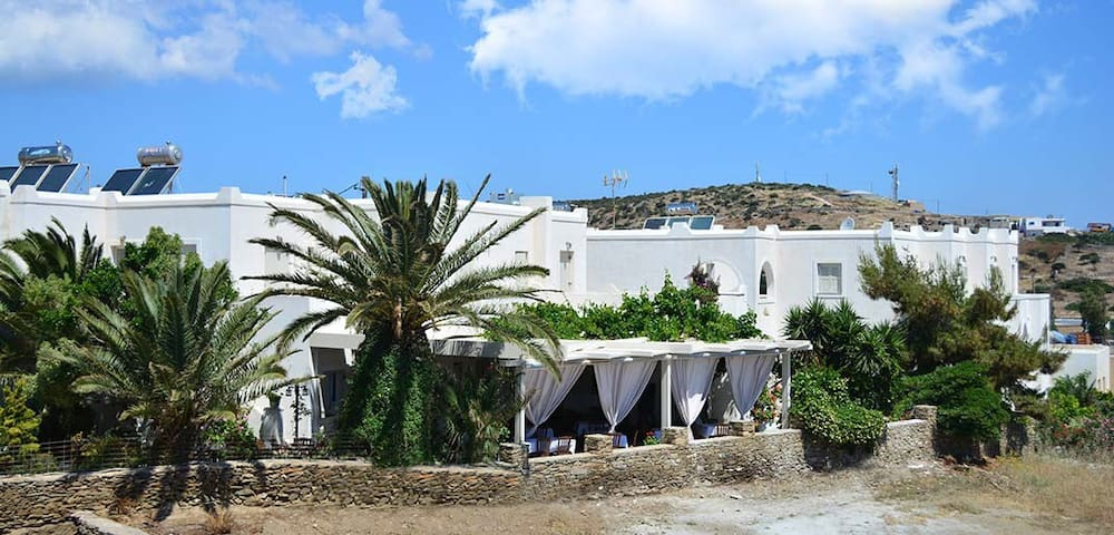 "Apartments-Studios-Rooms ""Meltemi"""