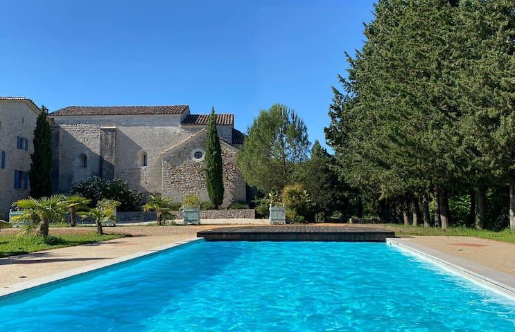 Boisset-et-Gaujac的民宿