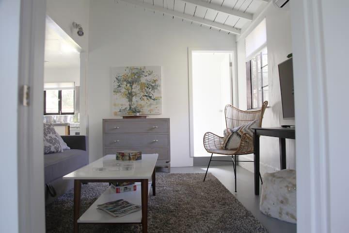 Charming Cottage   Malibu   Los Angeles
