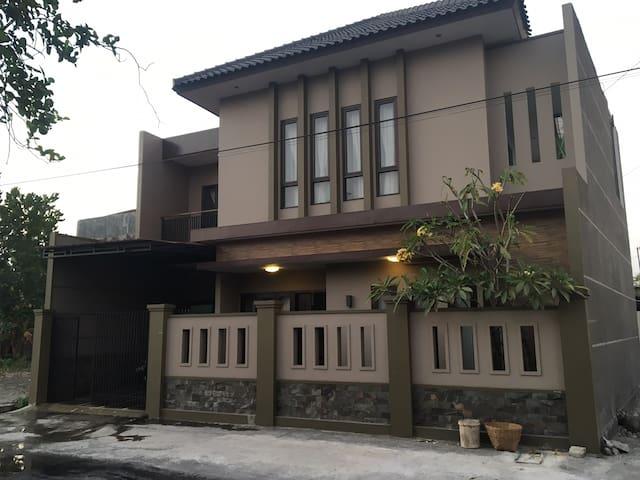 Kecamatan Kartasura的民宿