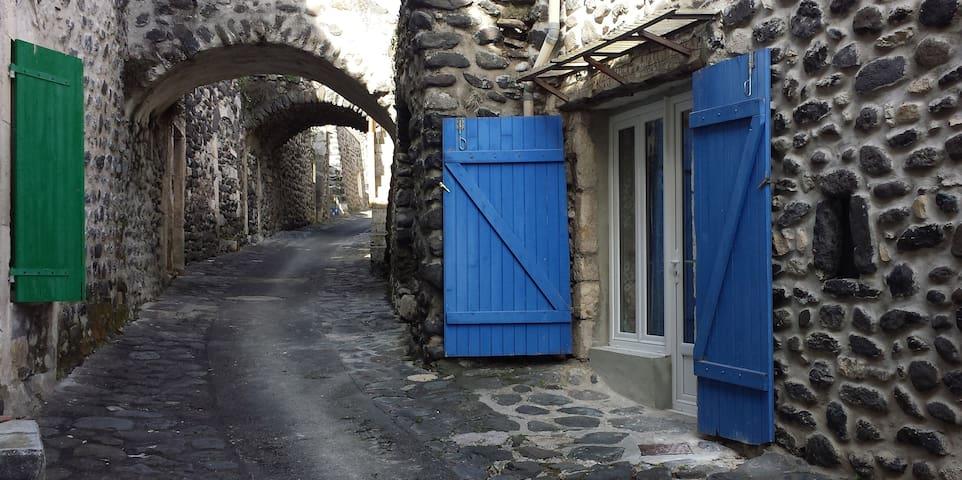Alba-la-Romaine的民宿