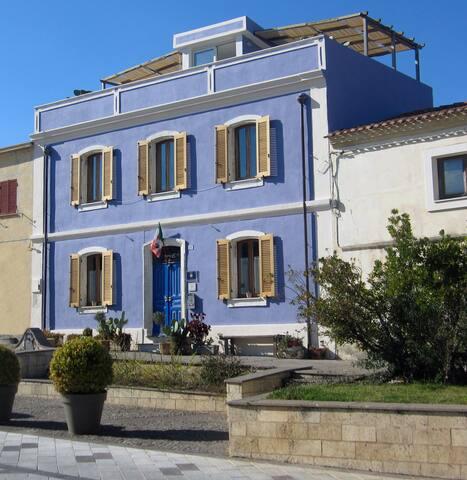 Monteleone Rocca Doria的民宿