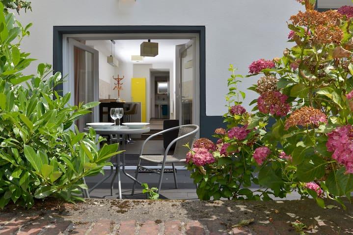 Appartement Deluxe mit Holzterasse und Burgblick