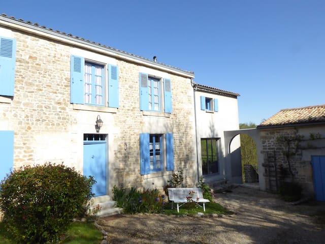 Vouillé的民宿