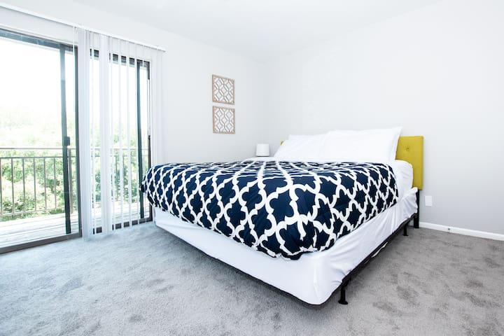 Dapper Two Bed on North Capital