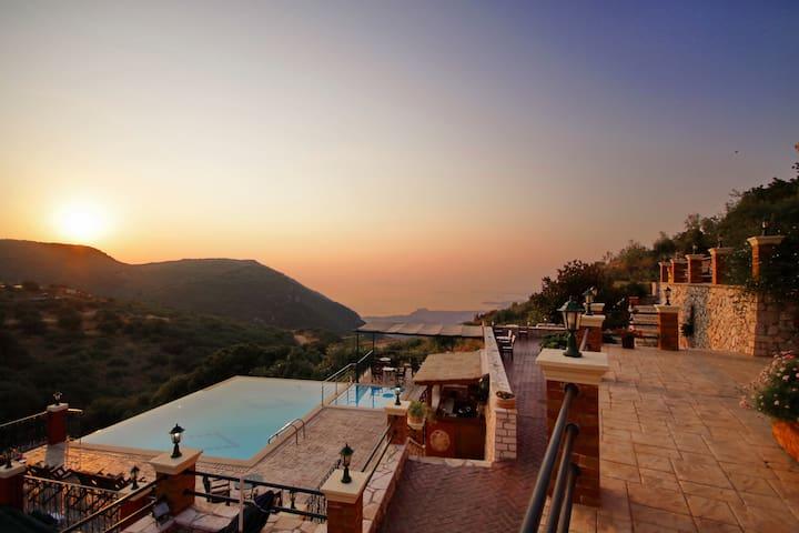Corfu Sokraki Villas room