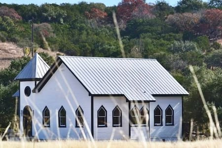 Beautiful Chapel Home - Austin Hill Country