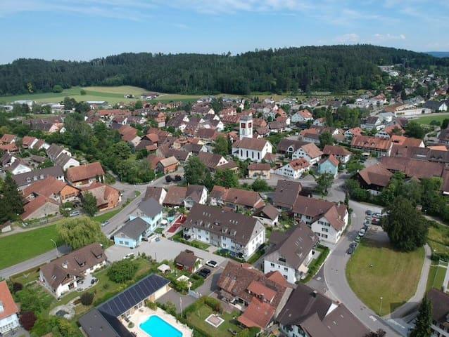 Neftenbach的民宿