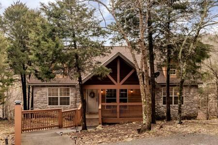 Updated Stonebridge Cabin, near Silver Dollar City