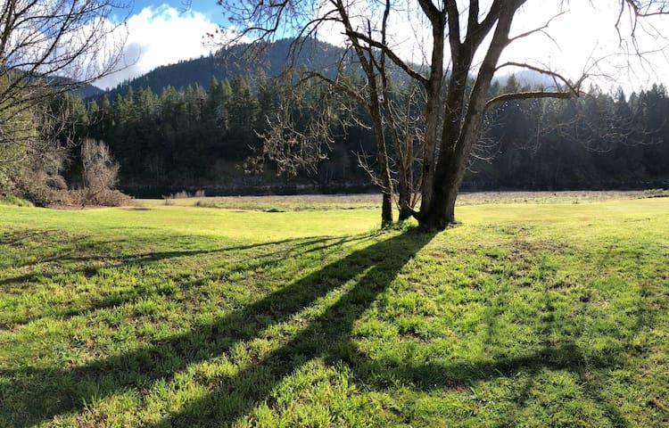 Willow Creek的民宿