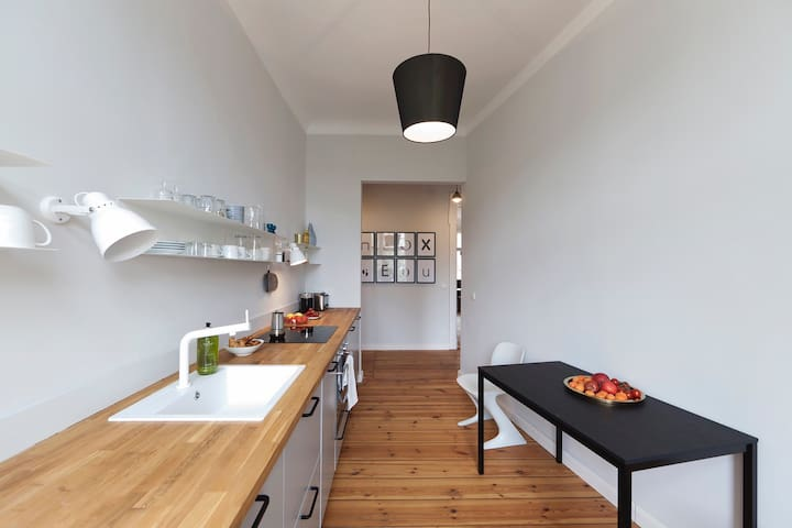 spacious 2 bedroom apartment, best location