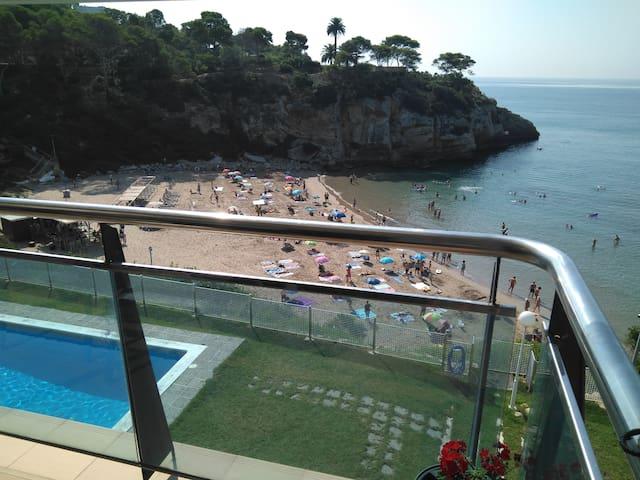 Exclusivo apartamento en primera línea de mar