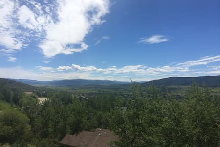 Mountain Oasis w/ Incredible Views!
