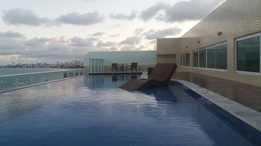 Apartamento tipo flat a 30mts do mar