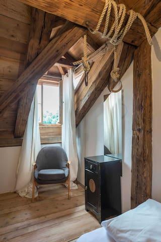 Einzelzimmer Wecker mit Altstadtblick