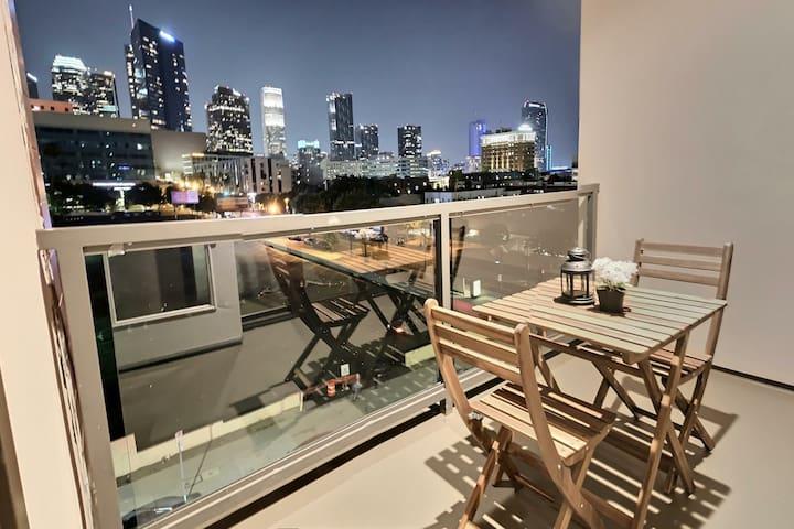 Downtown LA Apartment w/ BEST VIEW + LOCATION