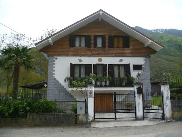 Bobbio Pellice的民宿