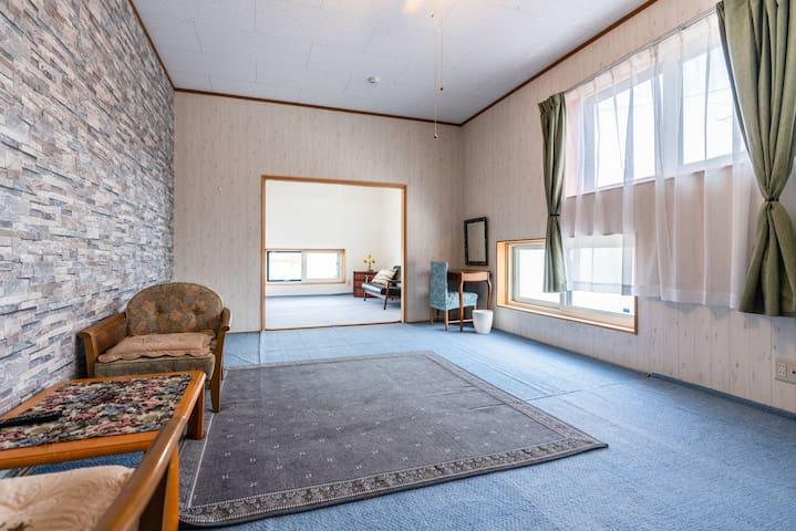 Cozy HomeStay 30-min drive to 2 Ski resort