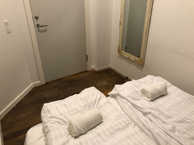 Private double room next to Central Station