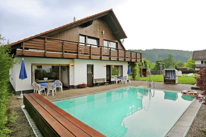 Spacious Apartment in Bad Wildungen with Pool & BBQ