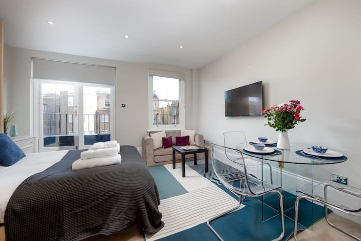 CAPITAL | Studio Apartment w/Balcony Sloane St -WB