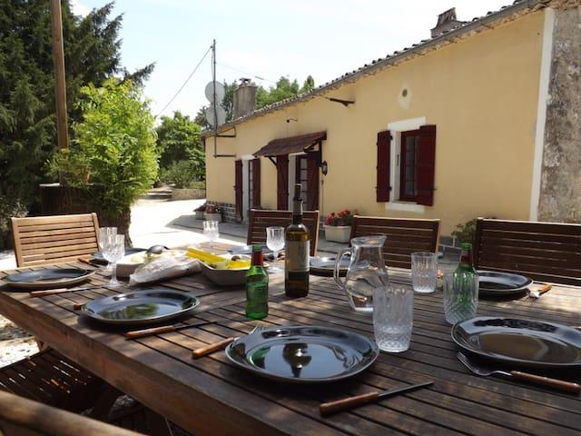 Loubès-Bernac的民宿