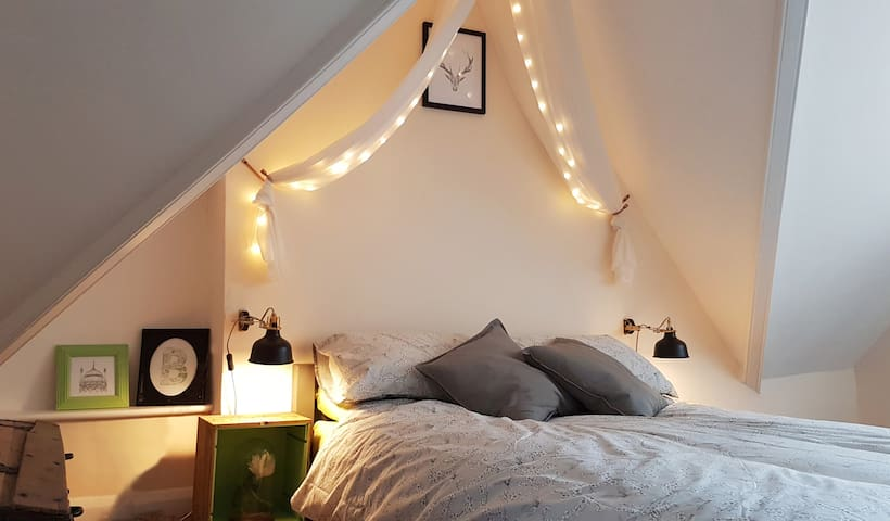 Cosy loft hideaway in the centre of town