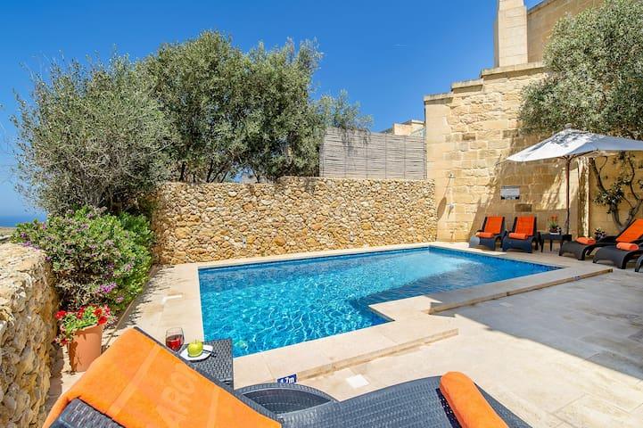 Għasri的民宿