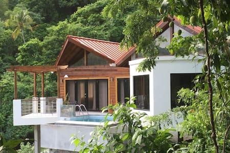 Serrana Villa - Brand New,Close to Everything! Wow
