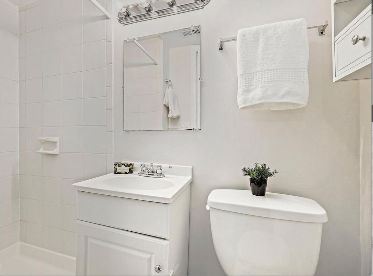 Private Entrance Basement Bedroom with Bathroom.