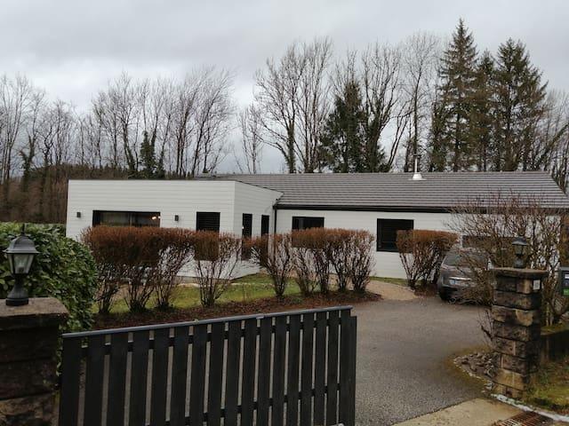 Clairvaux-les-Lacs的民宿
