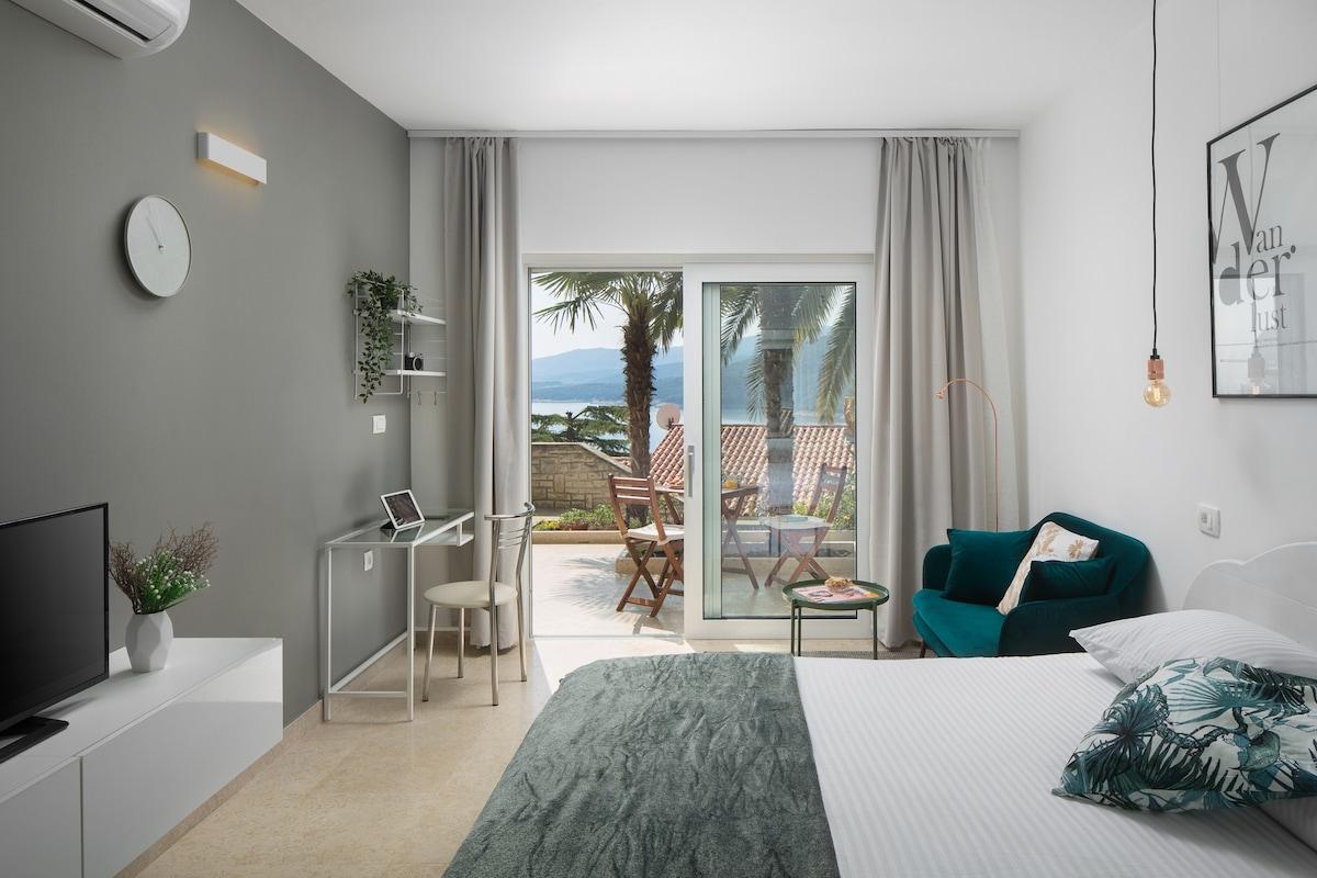 Studio apartment close to the sea