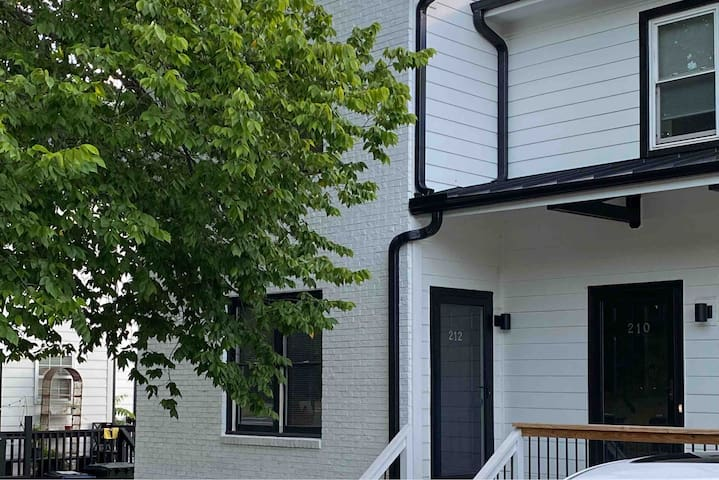 Downtown 2BR House | Great Location & Free Parking