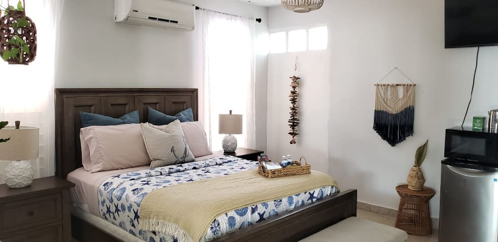 Good Vibes Only! Coastal Calming Apartment 2