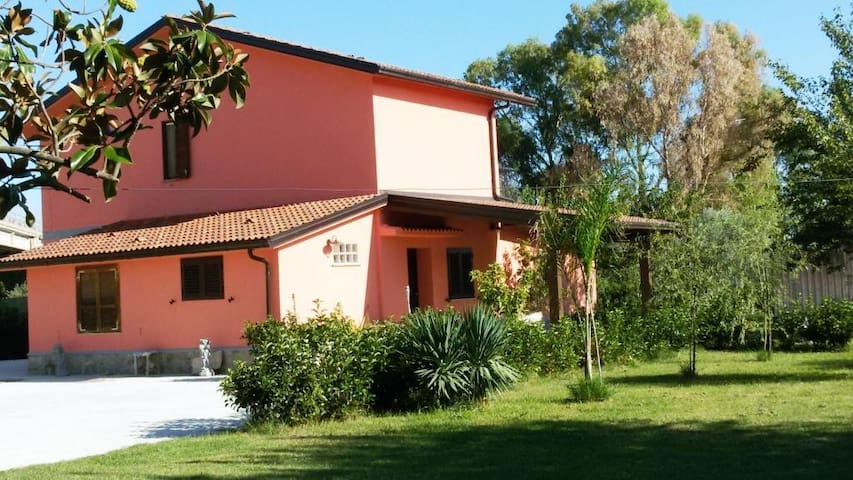 Villapiana Scalo的民宿