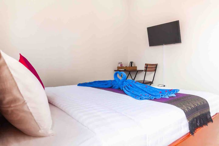 Carolina angkor hostel N7 free pick up up&pool