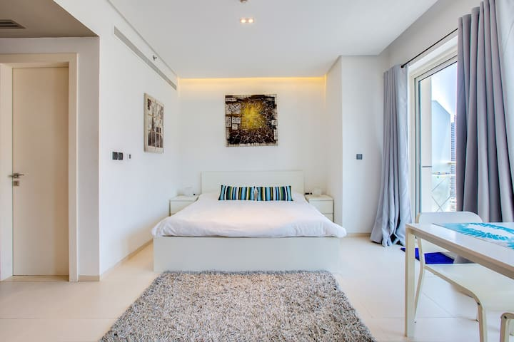 Stylish Studio in West Avenue Dubai Marina