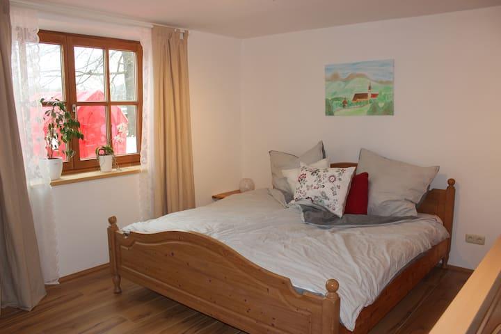 Schöne kleine Wohnung für 1-2 Pers in Irschenberg